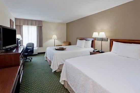 Dumfries, VA: Double Queen Room
