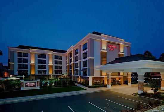 Hampton Inn San Diego - Kearny Mesa: Hotel Exterior