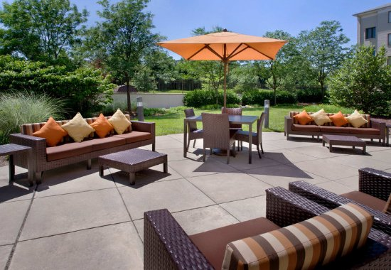 Plymouth Meeting, PA: Outdoor Terrace