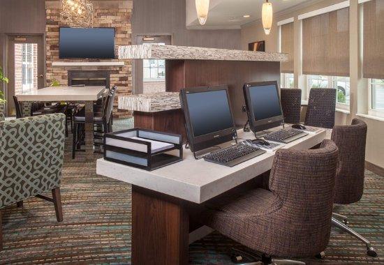Residence Inn Frederick: Business Center