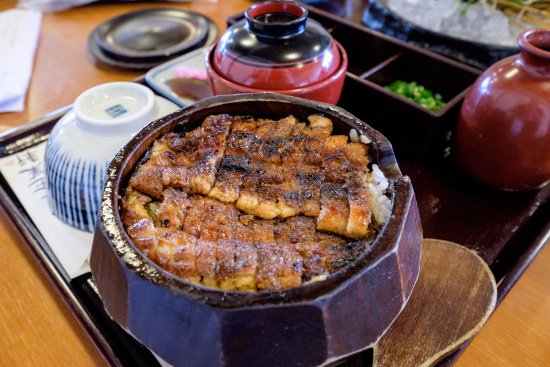 Grill eel rice, very tasty