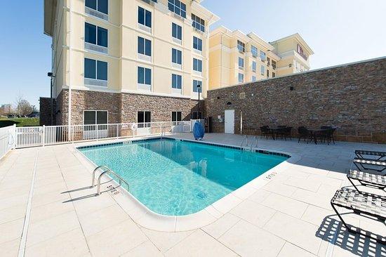 Outdoor Pool Picture Of Hilton Garden Inn Charlotte Airport Charlotte Tripadvisor