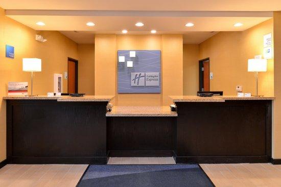 New Martinsville, WV: Front Desk