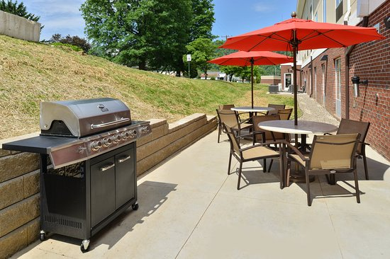 New Martinsville, WV: Guest Patio