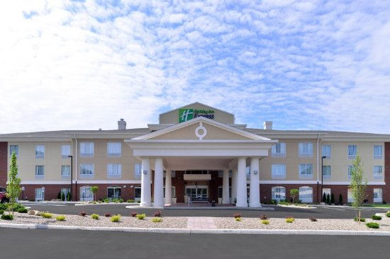 New Martinsville, WV: Hotel Exterior