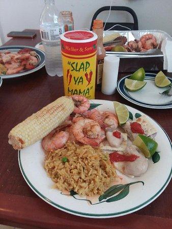 Buddy 39 s seafood market panama city beach restoran for Fish market panama city beach