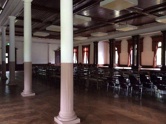 Old Auditorium of Gakushuin Elementary School: 内部も見学できます