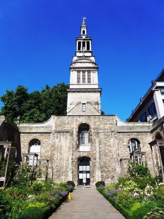 Londonna Tour Guide: Quaint, out of the way site