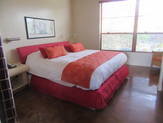 Embarc Palm Desert: Bedroom, King Size Bed, Embarc, Palm Desert, Ca