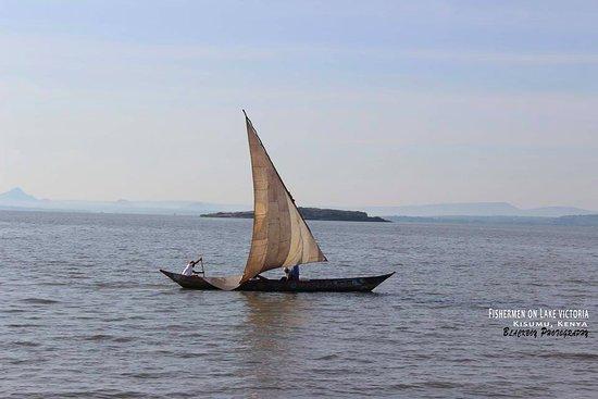 Dunga Bay : Fishermen on Lake Victoria, Kisumu City