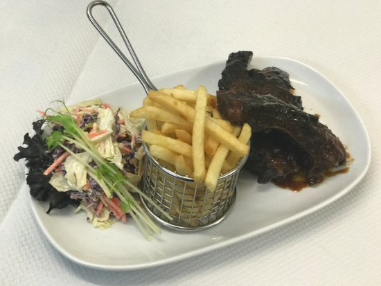 Spinnakers: Tuesday's $22 Ribs Special