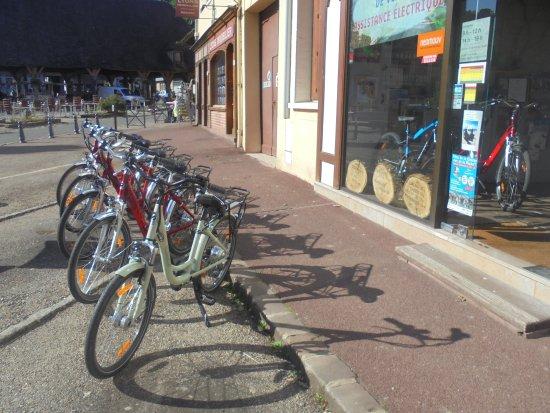 Lyons-la-Forêt, Frankrig: location de Vélo à Assistance Electrique avec GPS