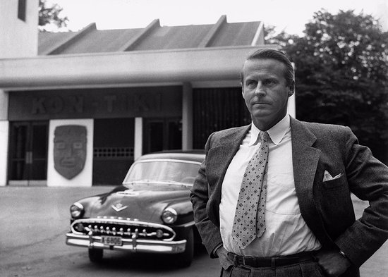 Thor Heyerdahl in front of the Kon-Tiki Museum in the 1950s
