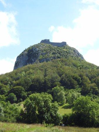 le chateau de montsegur... avant la grimpette