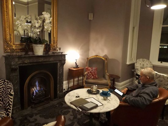 Woollahra, Australia: Fireside lounge