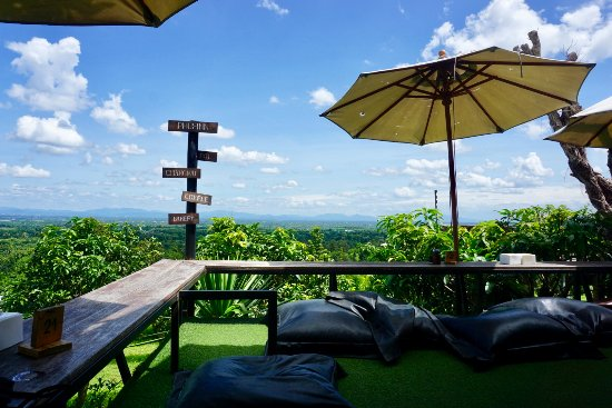 Nam Phrae, Thaïlande : Dining with a view