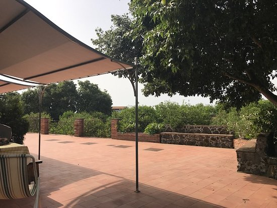 Agriturismo Il Limoneto: la terrazza davanti alle nostre camere