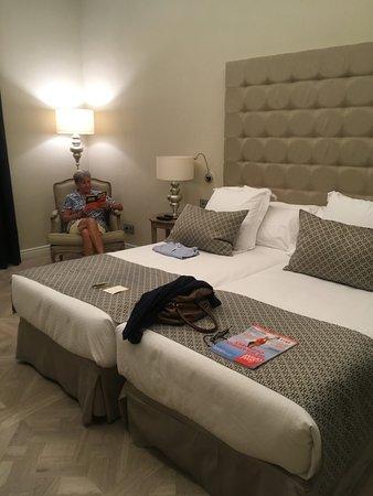 Colon Hotel Photo