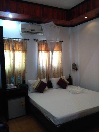 Singharat Guest House: IMG_20170727_125047_large.jpg