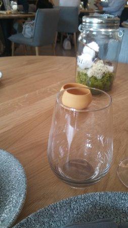 Pontoise, France: déco simple et élégante