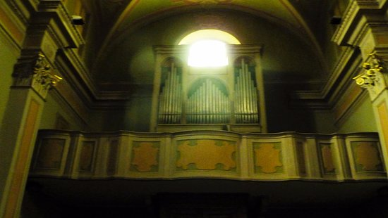 Pella, Italia: Organo a canne