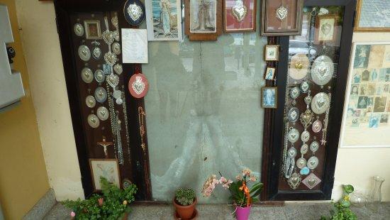 Pella, Italien: Madonna sul muro