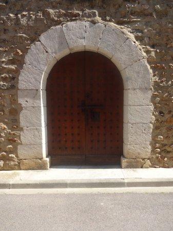 Église Saint-Martin, Fourques (Pyrénées-Orientales, Occitanie), France.