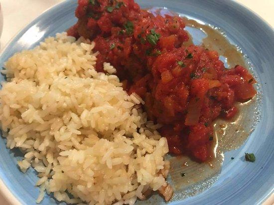 Ristorante Greco Esperides: Polpette di carne al sugo accompagnate da riso