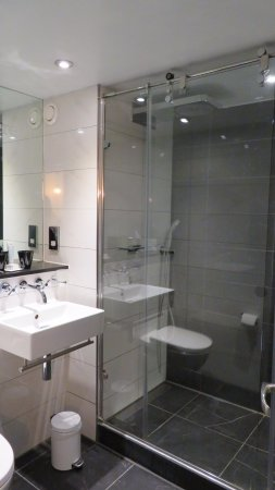 Malmaison London: Mal Club bathroom