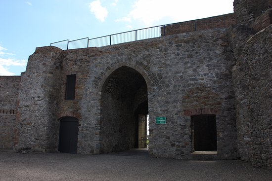 Dungarvan, Irland: Main Gate from Inside