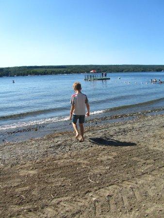 Bluff Point, NY: piccola spiaggia con sabbia