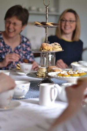 Wimborne Saint Giles, UK : Cream teas served for celebrations and catching up with friends.