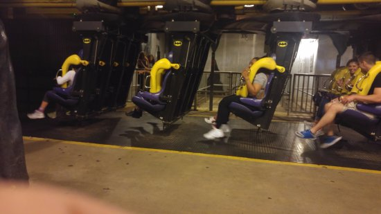 Six Flags Great Adventure: Batman - The ride
