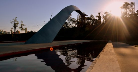 Parque Das Esculturas: Uma das peças em exposição no parque...