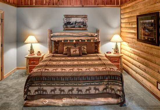 Lake Shore Cabins on Beaver Lake: New Homestead House 2nd Bedroom