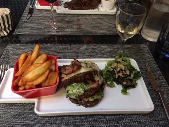 L'Aigle, France: Burger Di Capri