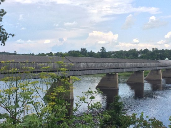 Hartland, แคนาดา: Longest Covered Bridge in the World!