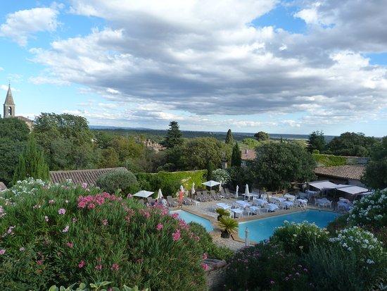 Cabrieres, Francia: Vue depuis la terrasse de la chambre Marjolaine.