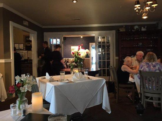 North Hero, VT: The restaurant is beautiful
