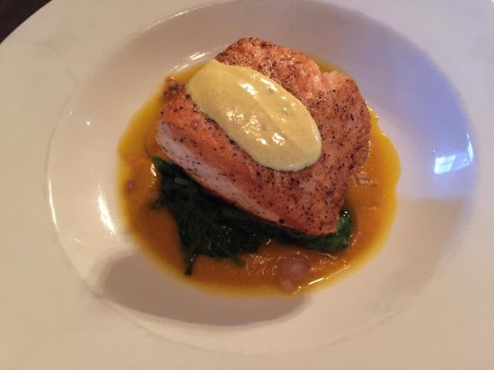 North Hero, VT: Salmon entree at the restaurant