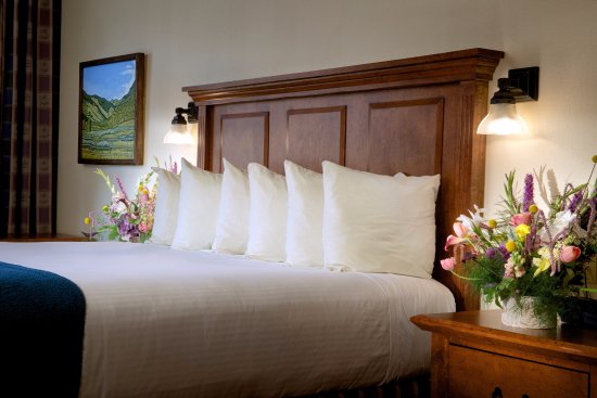 The Lexington at Jackson Hole: One King Bed