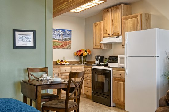 The Lexington at Jackson Hole: One Queen Bed Courtyard Studio Apartment