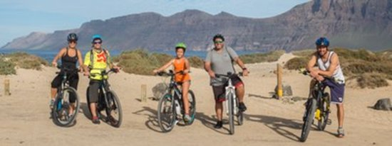 Caleta de Famara, สเปน: Lanzarote E-Bike Excursion