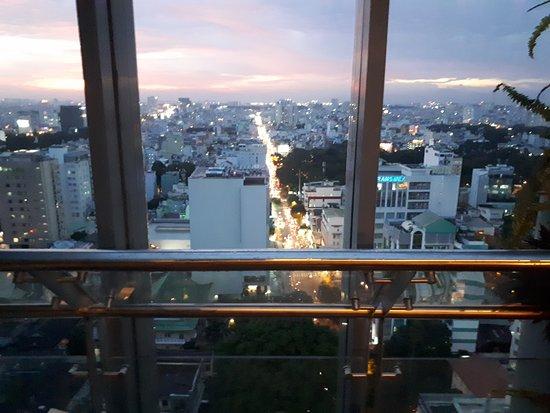 Novotel Saigon Centre Hotel : View from Novotel roof top bar
