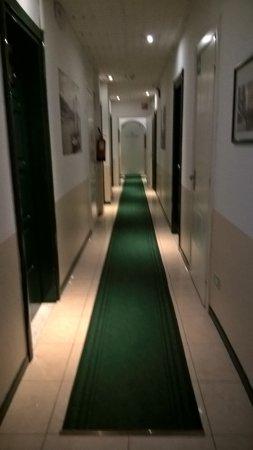 corridoio - Foto di Hotel Belsoggiorno, Sanremo - TripAdvisor