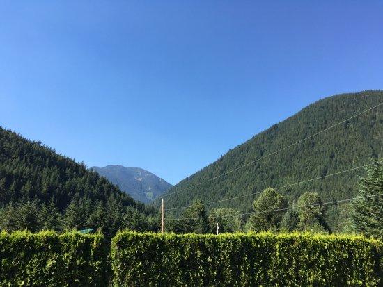 Sunshine Valley RV Resort & Cabins : View frm campsite