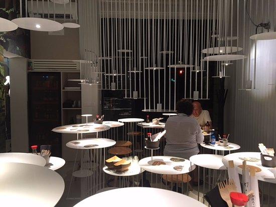la sala da pranzo del Raimbow Rimini - Picture of Rainbow Sushi 2.0 ...