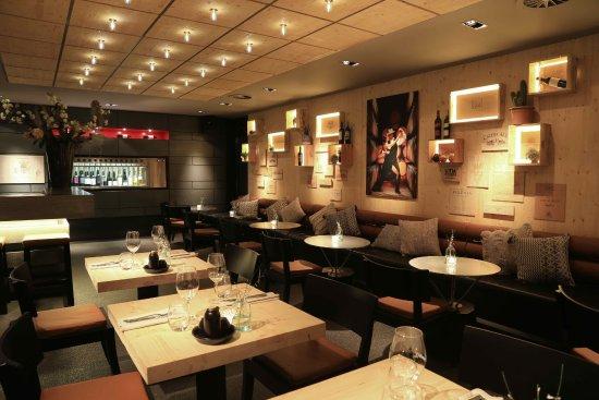 interieur wine bar mendoza