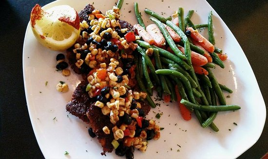 H. Toad's Bar & Grill: Blackened Group with Roasted Corn and Black Bean Relish