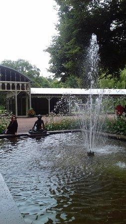 Ronneby, Suécia: Рядом с отелем расположен красивый парк.